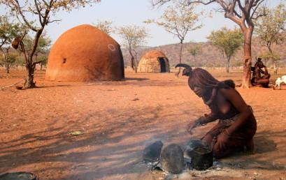Dämme und Stämme – Himba-Nomaden im Kampf gegen Infrastrukturprojekte im Norden Namibias