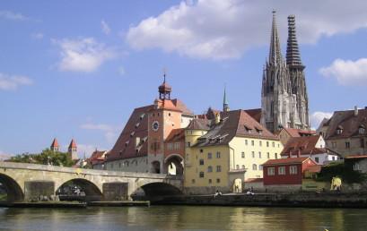 """Regensburg – Weltkulturerbe, """"Boomtown"""" und seine Schattenseiten"""