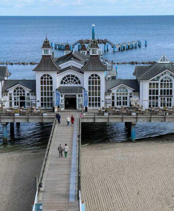 Kreidefelsen, Dünenheide und Seebäder – die Ostseeinseln Rügen und Hiddensee