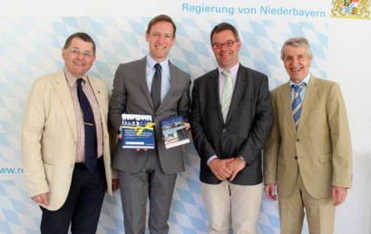 Besuch bei Regierungspräsident Rainer Haselbeck